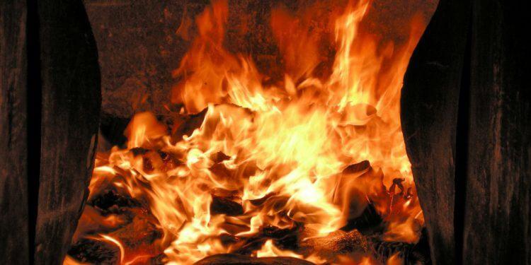 kominek ogień