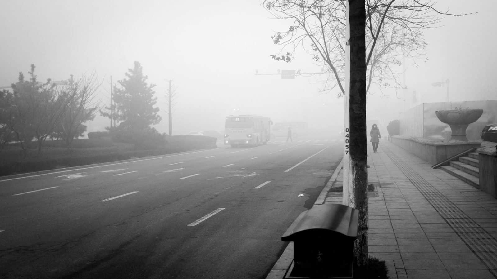 Smog Menstruacja. fot. Gauthier DELECROIX - 郭天