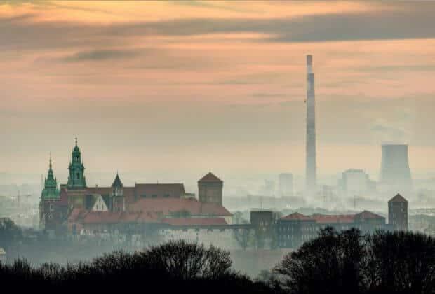 Smok Kraków - gdzie zgłosić palenie śmieci