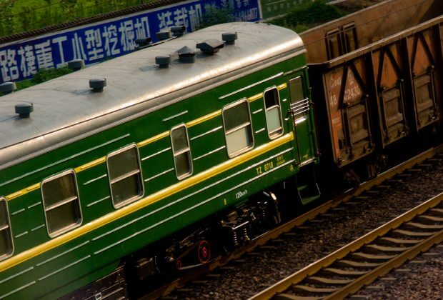 pociąg towarowy. fot. Enzo JIANG