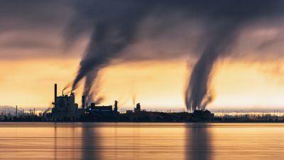 Zanieczyszczenia przemysłowe. Fot. John Westrock