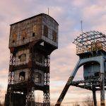 Pozostałości po kopalni Polska w Świętochłowicach. Dwie unikatowe wieże kopalniane to jedyne co pozostało po działającej tu do 1995 roku kopalni. Można je zobaczyć z pociągu między stacjami Świętochłowice i Chorzów Batory.