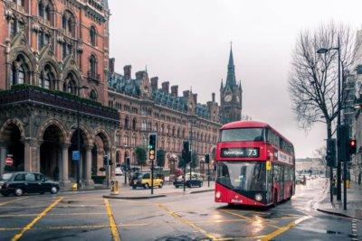 Emisja CO2 Wielkiej Brytanii spadła kolejny rok z rzędu. Zdaniem ekspertów wciąż pozostaje wiele do zrobienia