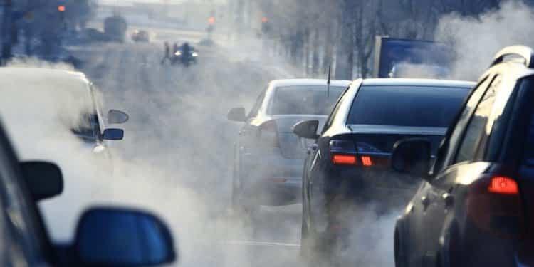 Bezpłatna komunikacja miejsca dla kierowców i ich pasażerów. Polskie miasto walczy ze smogiem