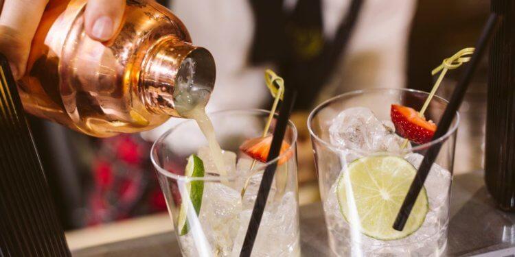 Gin zero-waste. Brytyjczycy alkohol zrobią z odpadów