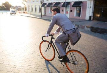 Miasta mogą zarobić na byciu przyjaznym dla rowerzystów i pieszych