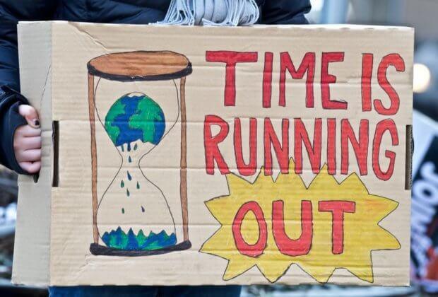 Nie podnoście nam temperatury. Strajki młodych w ponad 2 tys. miast - także w Polsce
