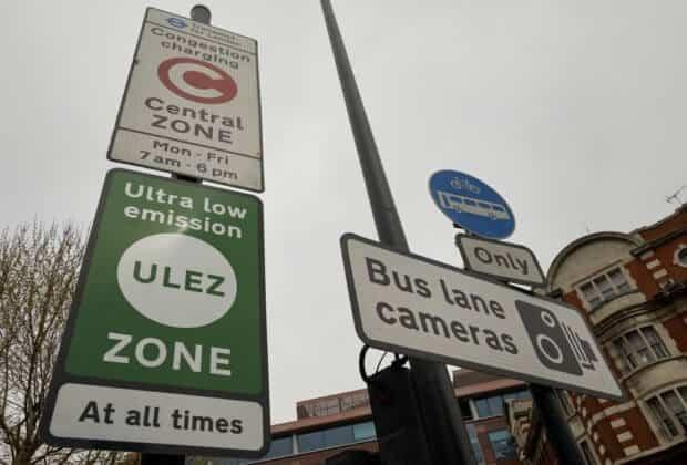 Londyn strefa niskoemisjna strefa niskiej strefa ultra ultraniskiej strefa ultra-niskiej emisji ultra low emission zone Londyn uruchomił strefę ultra-niskiej emisji (ULEZ) ULEZ