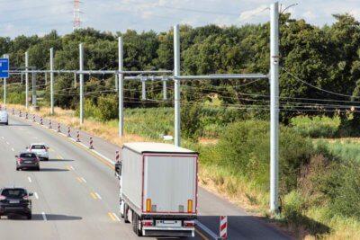 eHighway Elektryczna autostrada dla ciężarówek ma zmniejszyć emisje CO2. W Hesji ruszył odcinek testowy