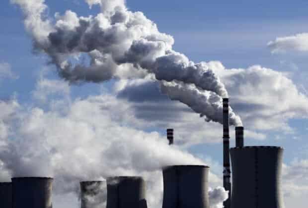 Politycy reagują na klimatyczną akcję Greenpeace. O zmianie klimatu nie mówią jednak ani słowa
