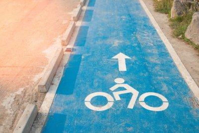 Odgrodzone ścieżki rowerowe zmniejszą liczbę wypadków