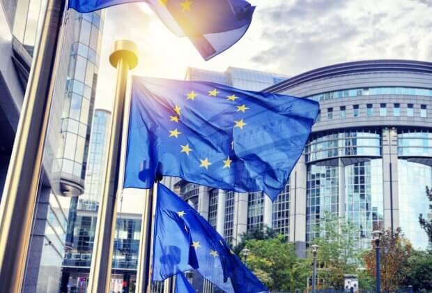 Komisja Europejska wzywa Polskę do walki o czyste powietrze. Inaczej grozi nam kara nawet 4 mld złotych