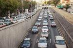 Miliardy toksycznych drobin znaleziono w sercach młodych mieszkańców miast. Przyczyną ruch samochodowy