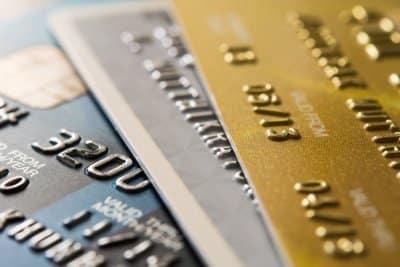 Tygodniowo zjadamy plastik odpowiadający karcie kredytowej