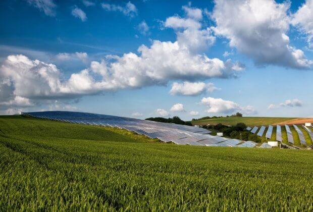 Agrowoltaika Pokrycie 1 proc. pól uprawnych fotowoltaiką mogłoby zasilić całą ludzkość