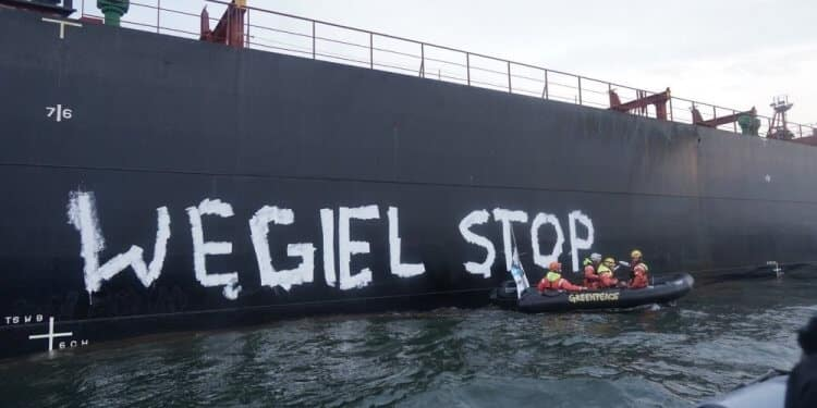 Greenpeace zablokowało import węgla. Wkroczyła Straż Graniczna – są aresztowani