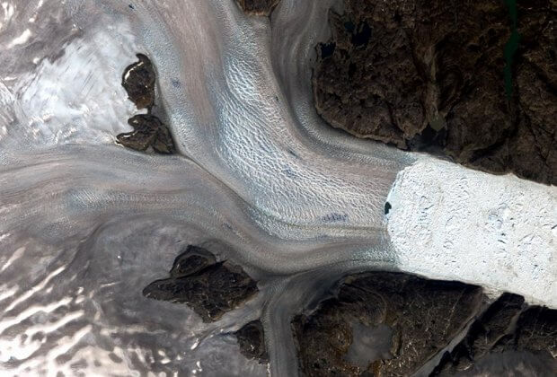 Lodowce Grenlandii znikają. NASA pokazało, jak zmieniły się w ostatnich 50 latach ZDJĘCIA grenlandia topnienie lodowców lodowce zmiany zmiana klimatu klimat NASA