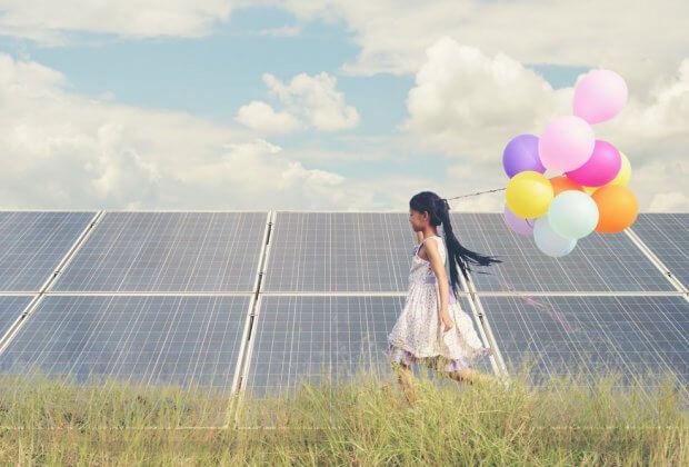 OZE odnawialne źródła Międzynarodowa Agencja Energetyczna zapowiada szybki rozwój OZE. 50 proc. więcej energii w ciągu 5 lat