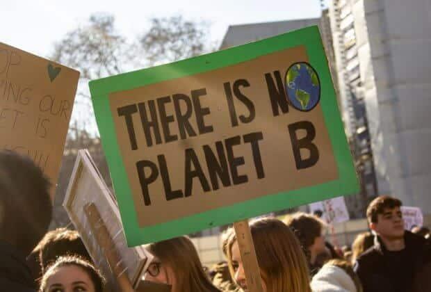 Politycy odpowiedzieli na postulaty klimatyczne młodzieży. Kto za, a kto przeciw