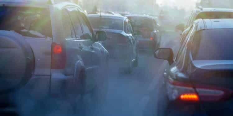 Smog może nie tylko szkodzić przez lata, ale i zabijać nagle. Odnotowano wzrost liczby zawałów i udarów przy złej jakości powietrza