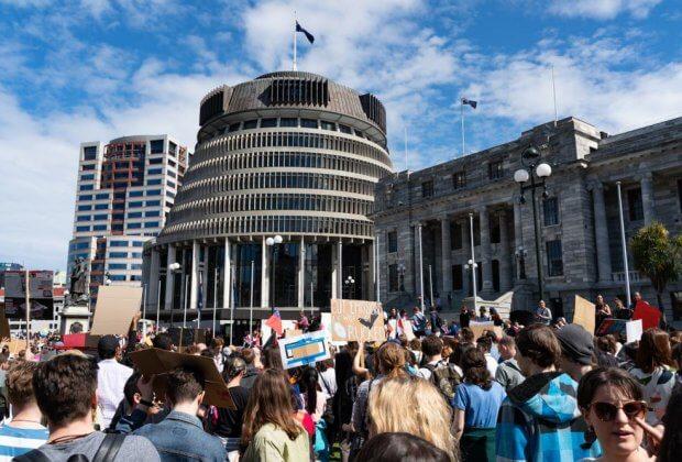 119 do 1. Parlament Nowej Zelandia zgodnie za neutralnością klimatyczną do 2050 roku