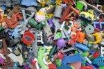 UOKiK ostrzega przed plastikowymi zabawkami. Zagrożeniem zbyt wysoka zawartość ftalanów oraz małe elementy