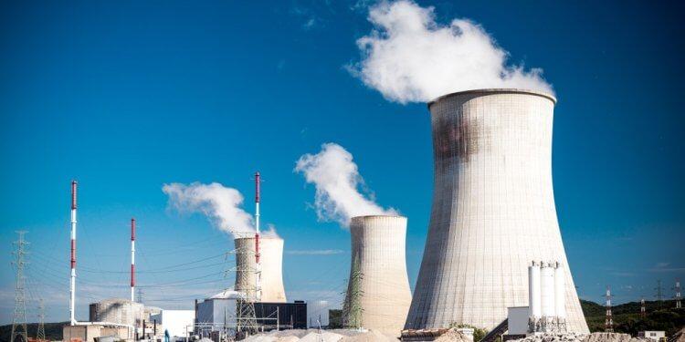 W Unii Europejskiej wciąż dużo więcej energii elektrycznej pochodzi z atomu niż łącznie z wiatru i słońca