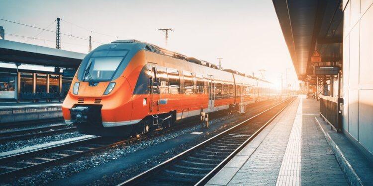 Niemiecka kolej obniża ceny biletów na dłuższych trasach o 10 proc. W trosce o klimat rząd obniżył VAT