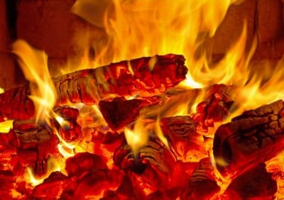 Dym ze spalania drewna