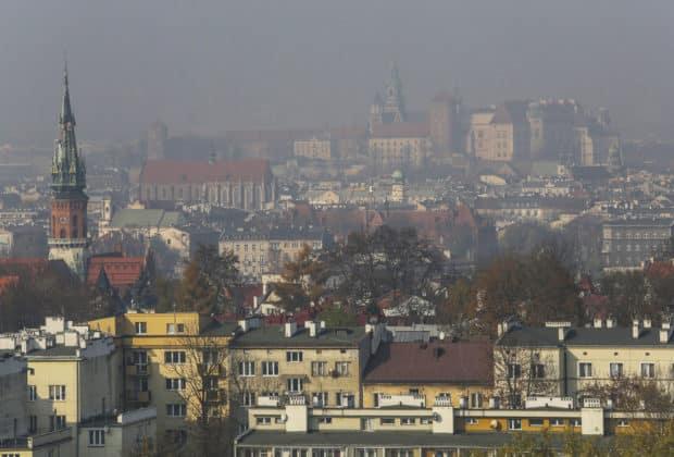 smog w krakowie mniejszy