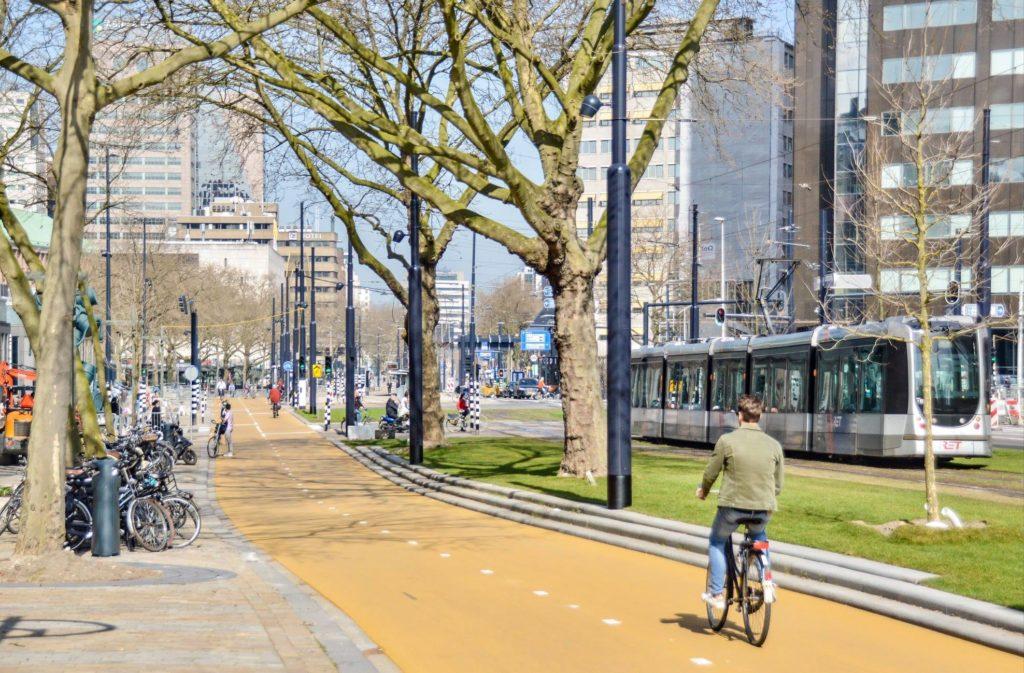 Coolsingel po zmianach. Źródło: Dutch Cycling Embassy/FB.