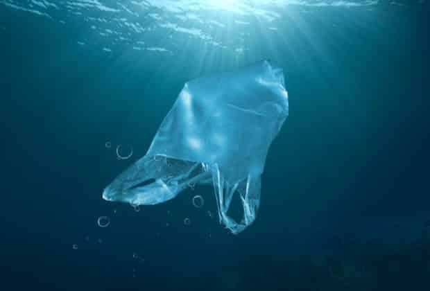 plastik w oceanach