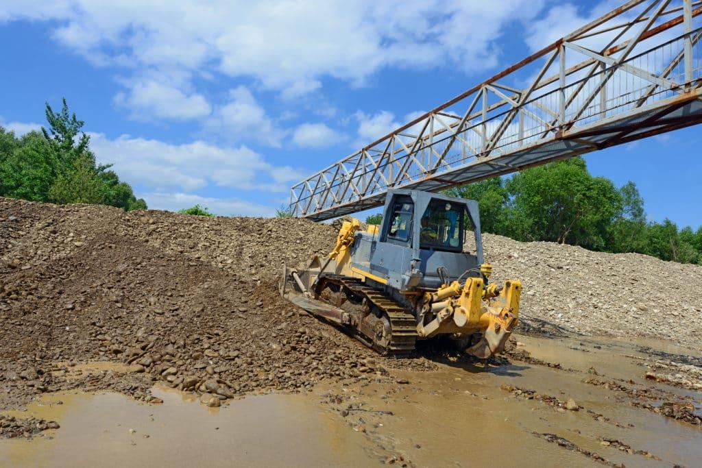 Beton antysmogowy mógłby stać się jego budulcem i zostać wykorzystany w remoncie brzegów Warty.