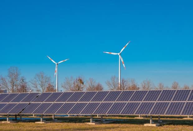 elektrownia wiatrowa i fotowoltaika