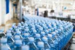Woda w butelce czy z kranu? Wpływ na środowisko nawet 3500 razy gorszy